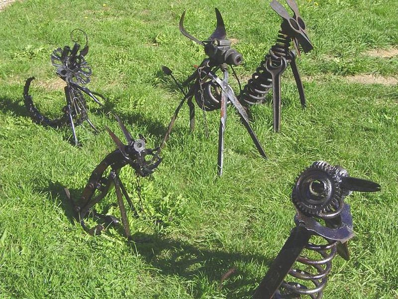 metal-dog-lawn-ornaments