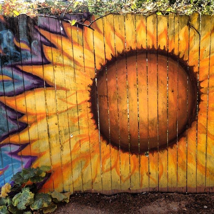 Garden-Fence-Paint-Designs
