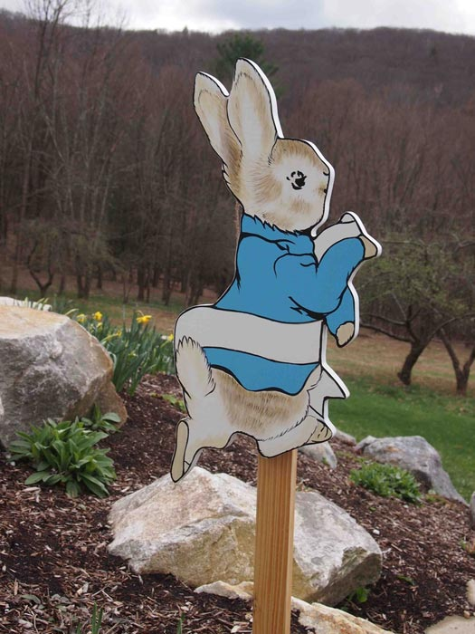 outdoor-easter-bunny-decorations