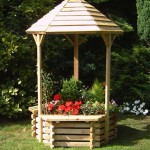 wooden-wishing-well-planter