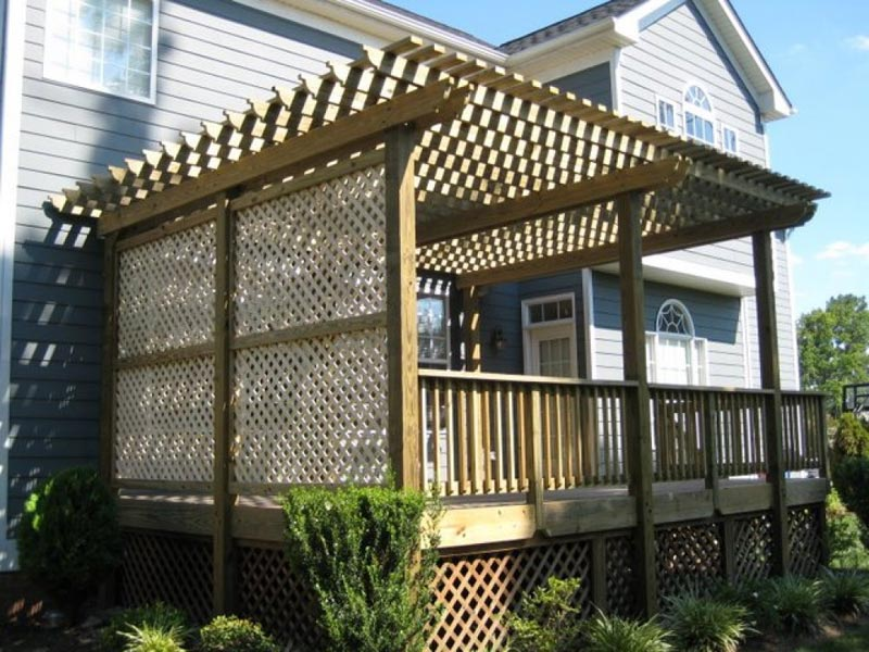 deck-lattice-corners