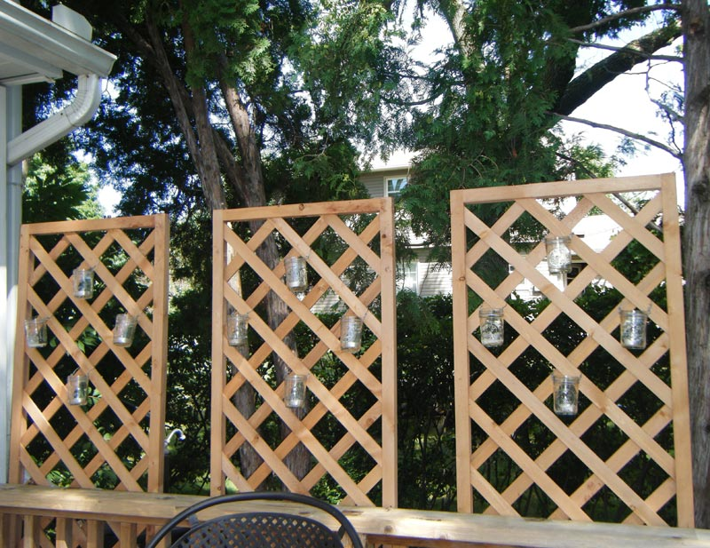 deck-lattice-wall