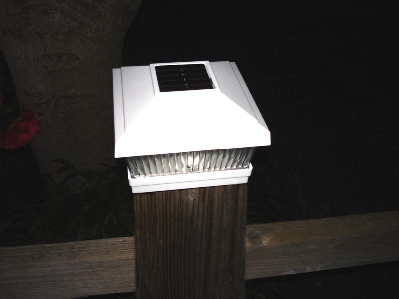 deck-post-cap-lights-solar