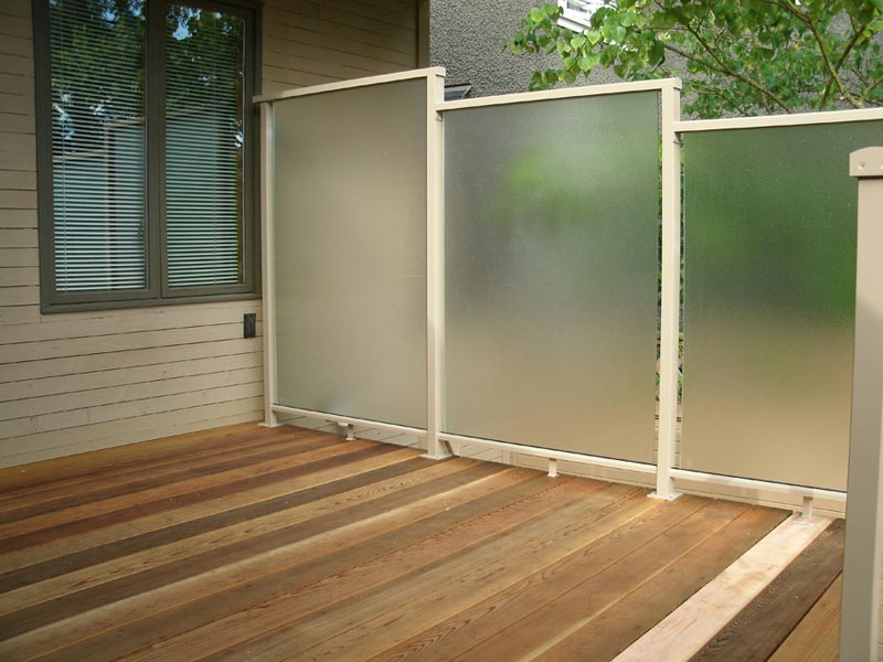 aluminum-deck-privacy-screen