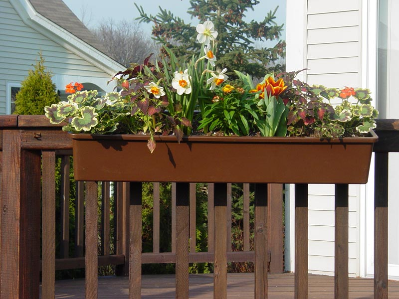 deck-rail-planters-2x6