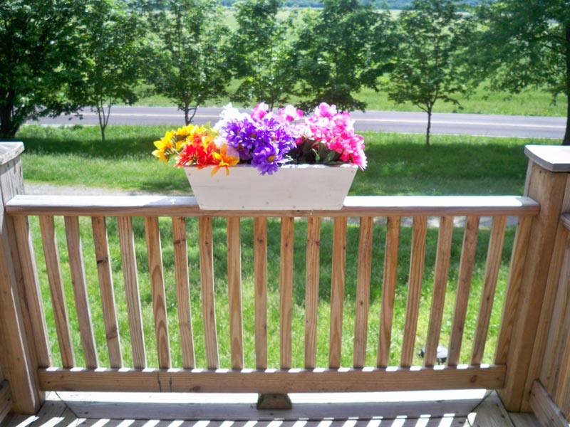 Deck rail planters for beautiful florished outdoors landscape design - Deck rail planters lowes ...