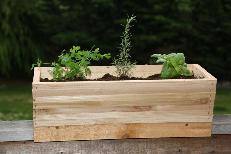 deck-railing-planters-diy