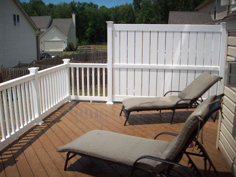 privacy-screen-around-deck