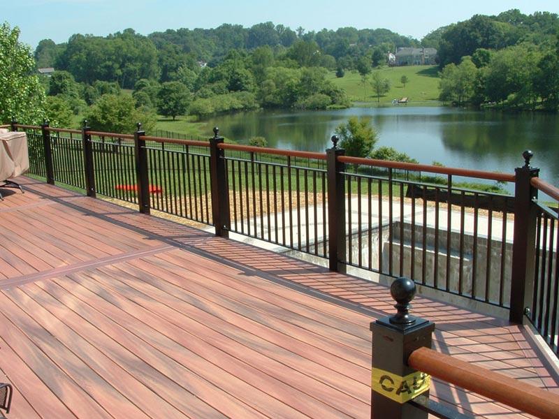 Metal-deck-railing