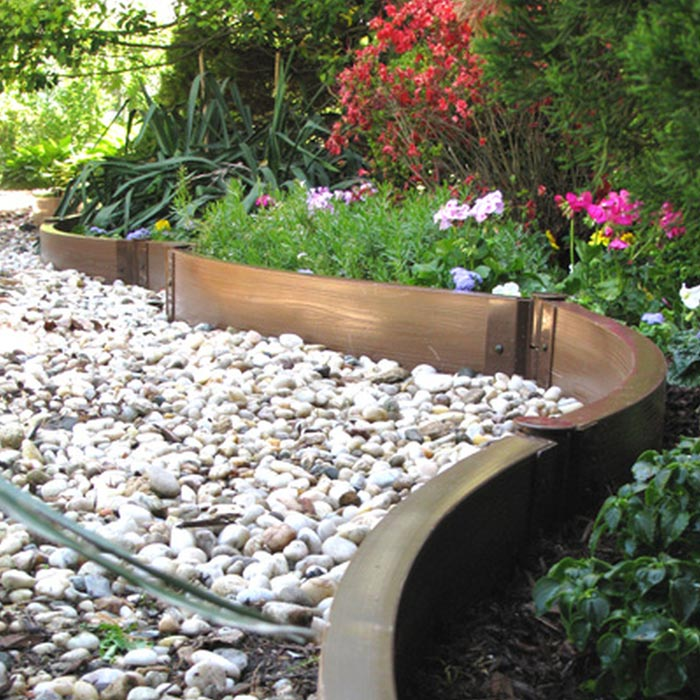 Metal-landscape-edging