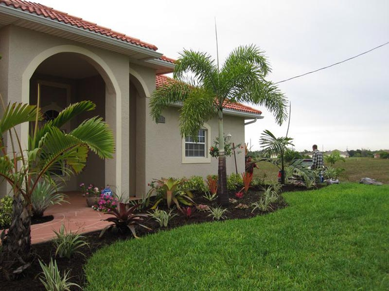 low-maintenance-landscaping-florida