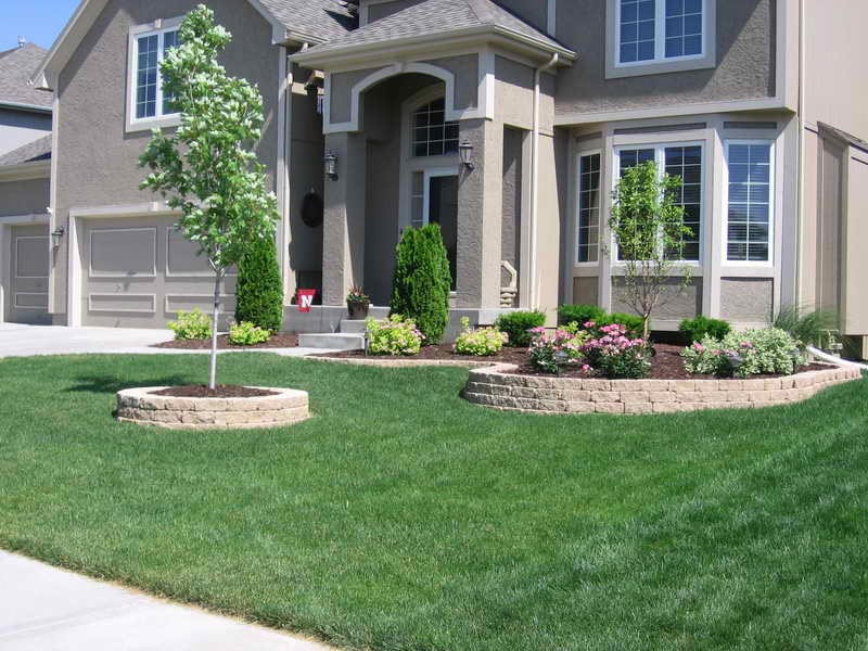 low-maintenance-landscaping-for-front-of-house
