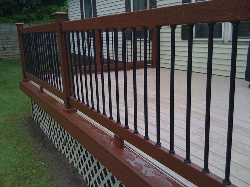 metal-deck-railing-balusters