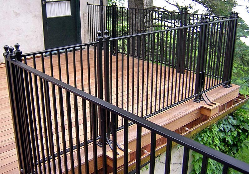 metal-deck-railing-ideas