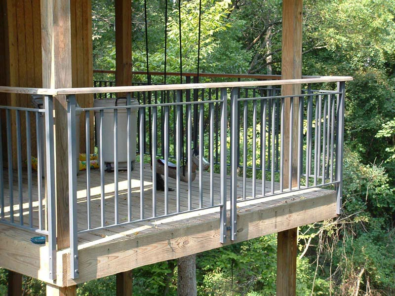 metal-deck-railing-pictures