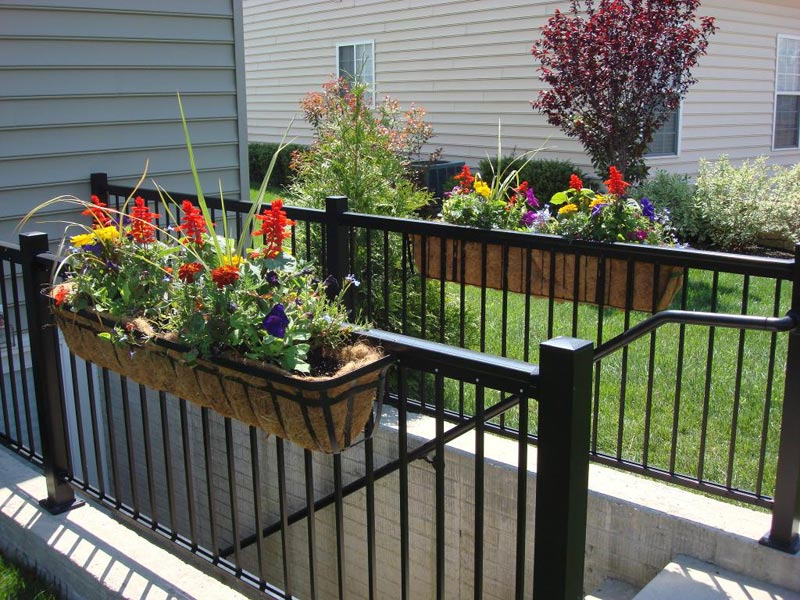 metal-deck-railing-planters
