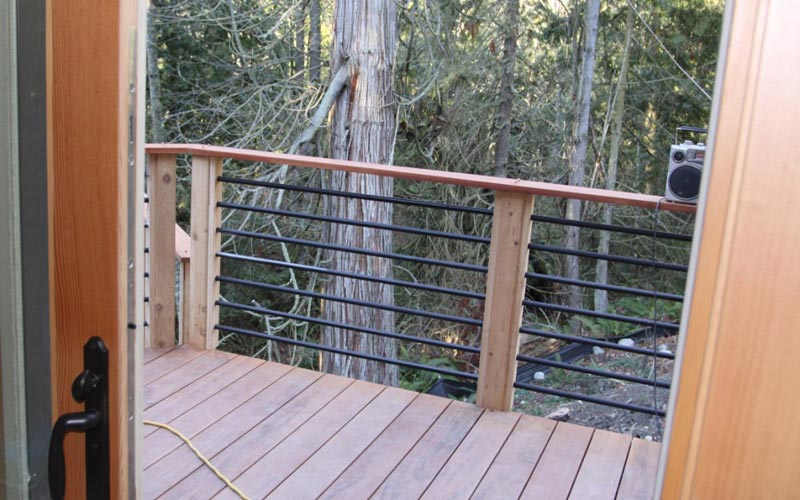 metal-deck-railing-posts