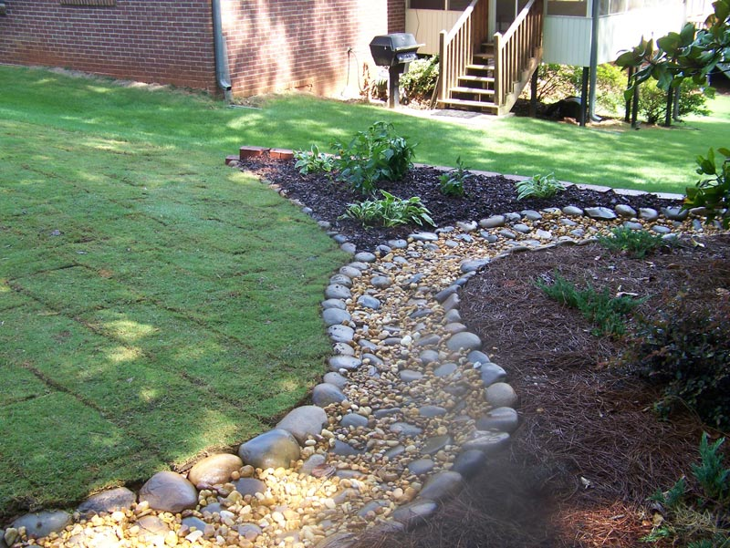 river-rock-landscaping-ideas