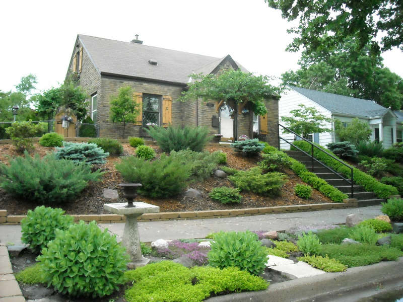front yard landscaping a hill