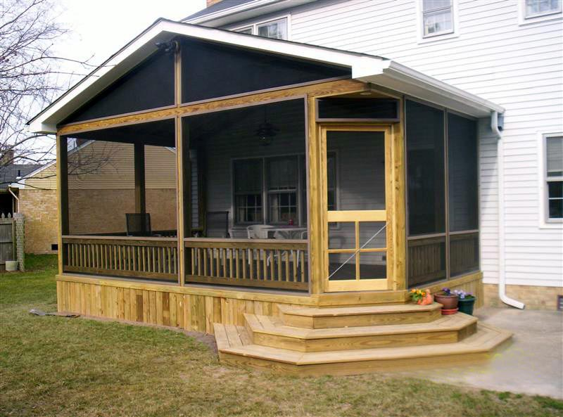 Screened In Decks : Screened in deck for more comfortable outdoor resting