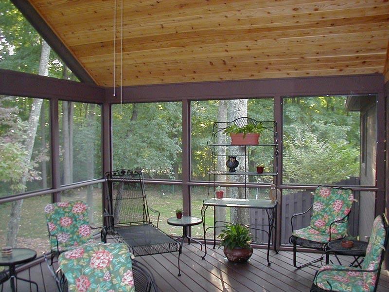 screened-in-deck-flooring-options