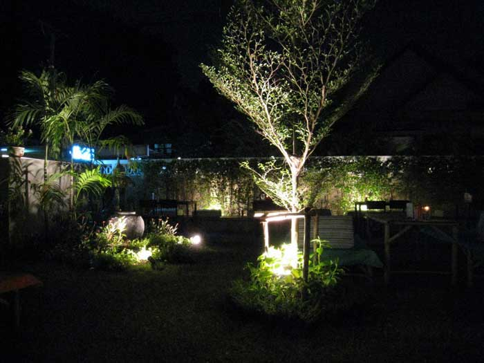 diy-landscaping-lights
