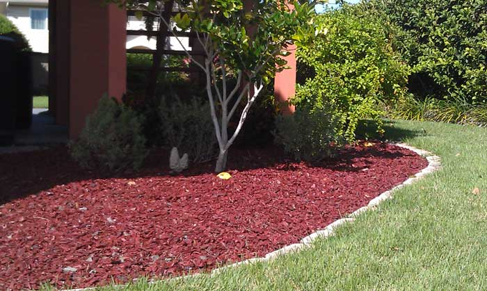 diy-landscaping-mulch