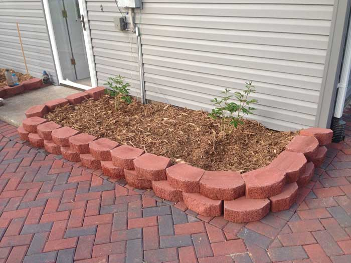 diy-landscaping-pavers