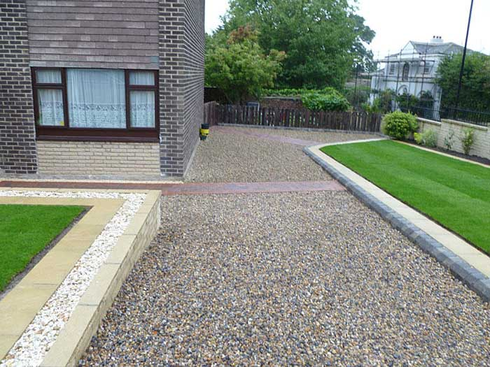 Useful tips for amazing driveway landscaping landscape for Driveway landscaping