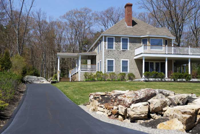 driveway-landscaping-with-rocks