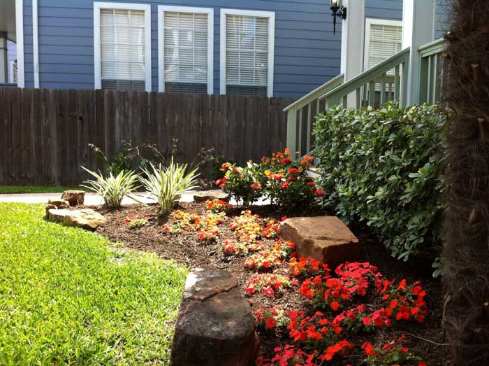 Simple landscaping ideas for creating impressive and cozy for Curb appeal landscaping ideas
