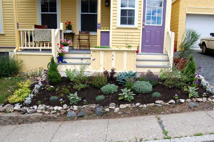 simple-landscaping-ideas-for-small-front-yard
