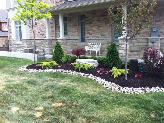 Easy-low-maintenance-garden-design