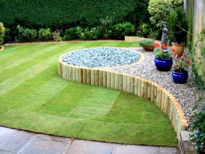 In favor-cheap-landscaping-ideas-for-backyard